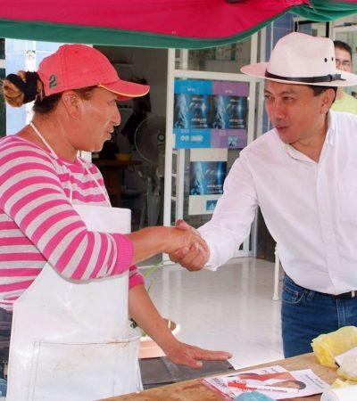 Recorre Jesús Pool la SM 95 de Cancún con la propuesta de votar por 'Juntos Haremos Historia' para acabar con la corrupción