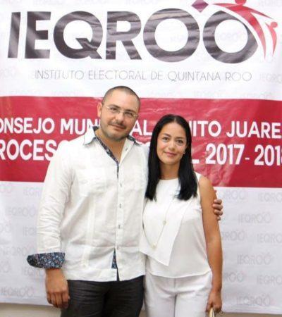 Entregan constancia a Issac Janix, el candidato independiente de Cancún