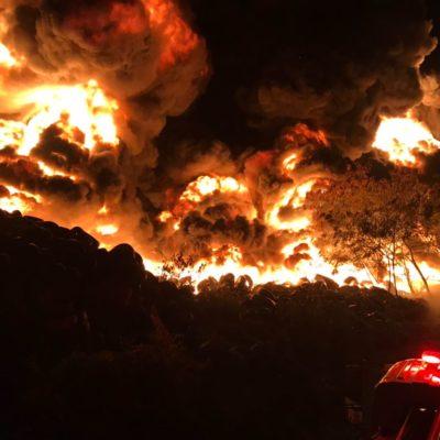 Amanece Cancún con el basurero ardiendo