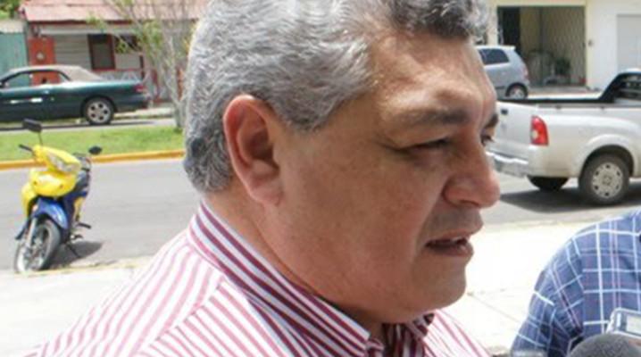 El ex secretario particular de Roberto Borge, Manuel Valencia Cardín, resulta más 'competitivo' para el PES en OPB que Carlos Mario Villanueva