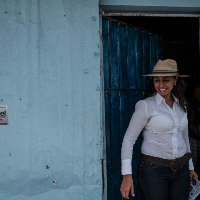 Recibe Marybel Villegas quejas de ciudadanos de Chetumal: inseguridad, desempleo juvenil y amenazas a burócratas si no votan por un partido específico