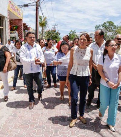 Ciudadanos supervisan alumbrado público en zona turística de Playa del Carmen