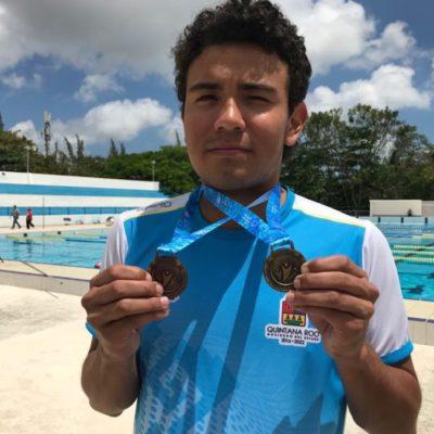 Héctor Emmanuel Moreno Paredes, nadador cancunense, fue el mejor en los 200 metros libres en la Olimpiada Especial