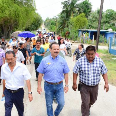 Julián Ricalde recibe el apoyo de 17 comunidades rurales de Río Hondo