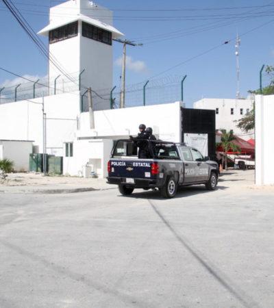 Con protestas y pancartas, personal administrativo del Cereso de Cancún piden mejores condiciones laborales y de seguridad al Gobernador