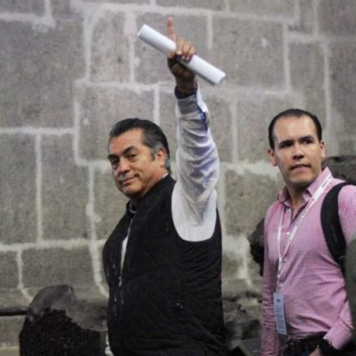 """'El Bronco' reta a sus rivales presidenciales a renunciar, como él, al financiamiento del INE; """"hagan campaña sin dinero de la gente"""", los conmina"""