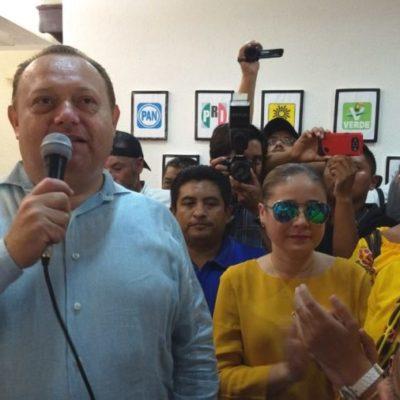 Por la alianza entre PAN-PRD-MC, se registra José Esquivel como candidato a edil en FCP