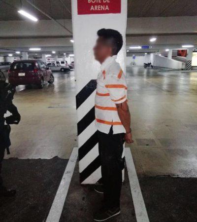 Detienen a un hombre por robar un poco más de 2,500 pesos de tienda de autoservicio
