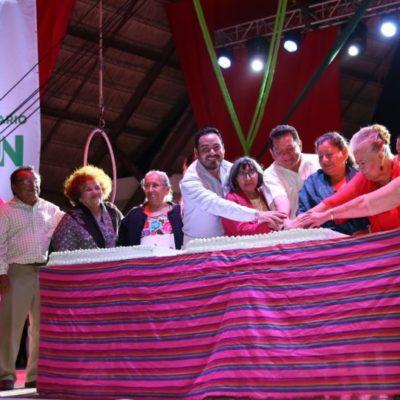Pioneros de Cancún celebran, una vez más, otro cumpleaños de la ciudad