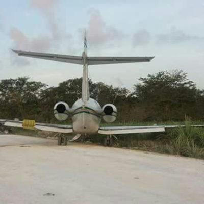Abandonan avión en frontera con Belice