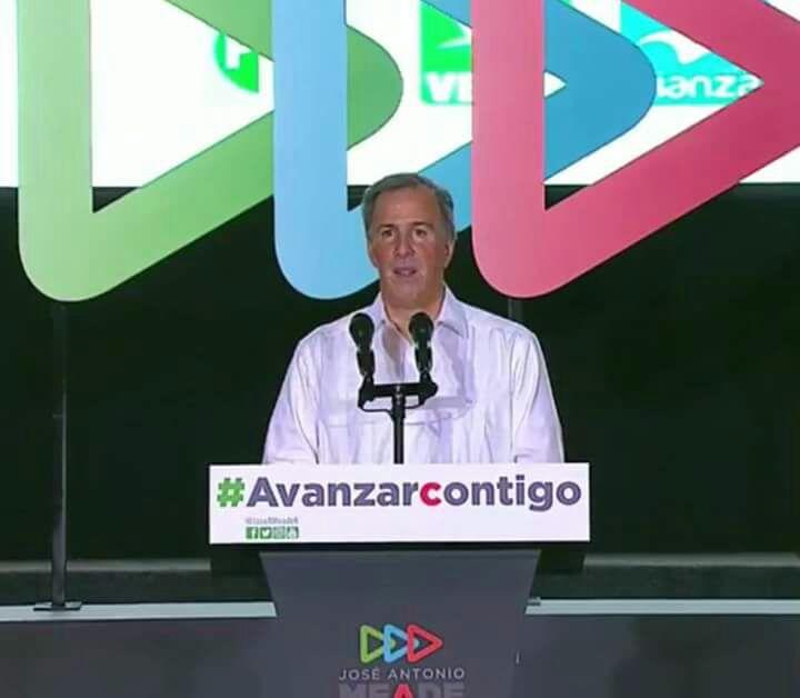En medio de improvisaciones y repitiendo esquemas del pasado, Meade inicia campaña en Mérida