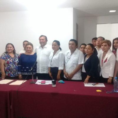 Se inscribe Nivardo Mena como candidato del PT para Lázaro Cárdenas
