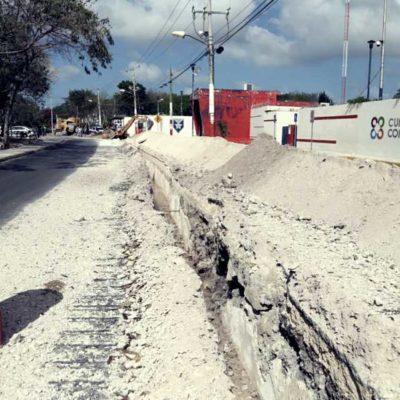 Por falta de permisos, detiene comuna obra de inmobiliaria que destruyó carpeta asfáltica recientemente inaugurada en Cancún