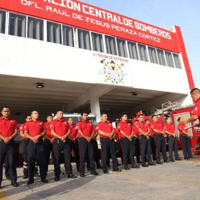 Celebran el 48 aniversario de la creación del Cuerpo de Bomberos de Cancún