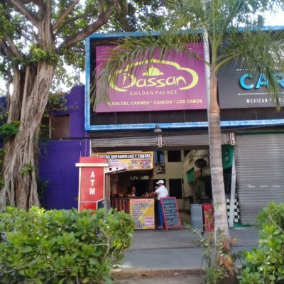 Denuncian prostitución en bares de la zona turística de Playa del Carmen