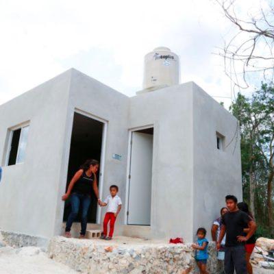 Entrega Ayuntamiento de Tulum los primeros cuartos-dormitorios de un proyecto de 70 pies de casa en la Zona Maya