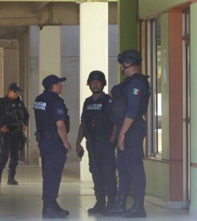 Detienen a dos sujetos armados que intentaron irrumpir en la sede del sindicato de taxistas de Playa del Carmen