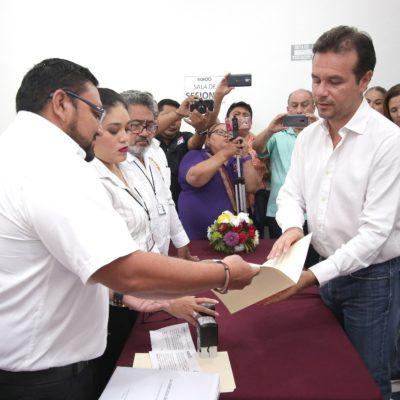 Se registra Pedro Joaquín Delbouis en Cozumel y anuncia como candidata a síndico a hermana del excarcelado Mauricio Rodríguez Marrufo