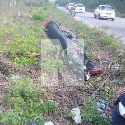Motociclista que derrapó en la vía Tulum-Cobá resultó gravemente herido
