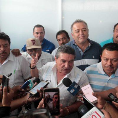 Rompeolas: Se hacen el harakiri líderes taxistas