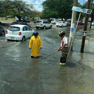 Despliega comuna brigadas de ayuda por lluvias en Cancún