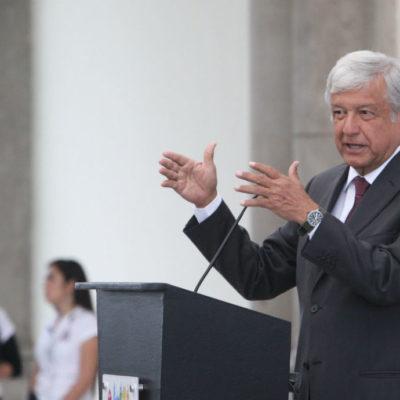 """""""No queremos cancelar el Nuevo Aeropuerto Internacional de México, sino resolver el problema sin gasto excesivo, sin corrupción"""", dice López Obrador"""