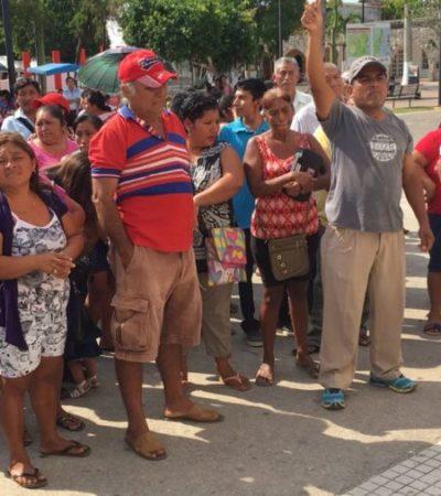 Antorchistas protestran frente a palacio de Felipe Carrillo Puerto por terreno para albergue infantil
