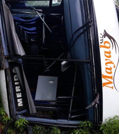 NUEVO ACCIDENTE EN LAS 'CURVAS DEL DIABLO': Más de una decena de lesionados al chocar autobús Mayab contra dos automóviles en JMM