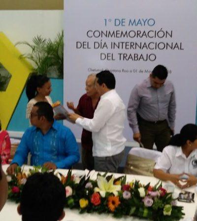 Con la ausencia de varios empresarios, 900 trabajadores de diferentes sindicatos exponen al Gobernador Carlos Joaquín sus demandas y sugerencias para mejorar transporte y educación