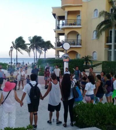 Marchan en Playa del Carmen y 'unen manos' por Xcacel-Xcacelito