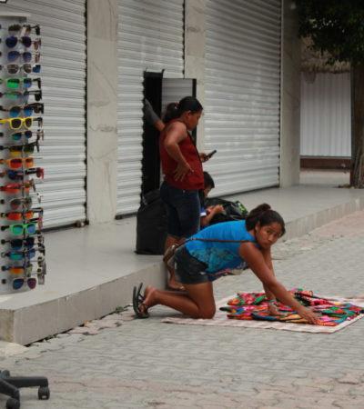 Ayuntamiento de Solidaridad procede legalmente contra vendedoras ambulantes que agreden a funcionarios en la zona turística