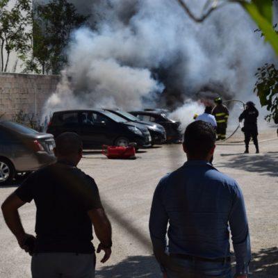 Investiga la Fiscalía causas del incendio de tres vehículos en Cancún