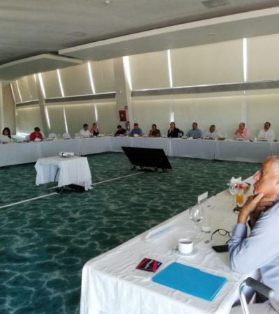 Issac Janix y Niurka Sáliva se reúnen con empresarios de Cancún para dar a conocer sus planes de gobierno