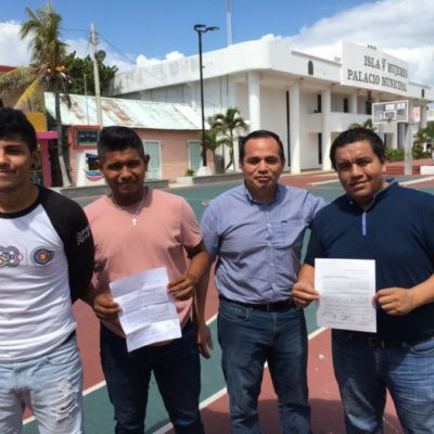 Renuncian a sus puestos en la administración de Juan Luis Carrillo Soberanis para sumarse a la campaña del morenista Edgar Gasca Arceo