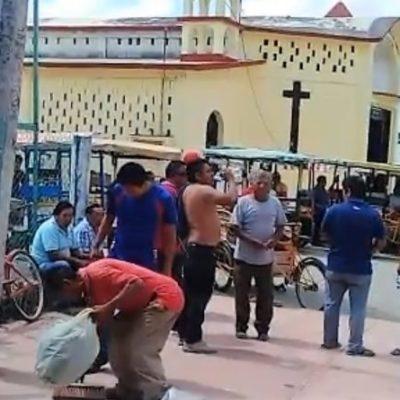 Tricicleros toman oficinas de la CROC para exigirle cuentas claras a Juanita Sulub Chuc