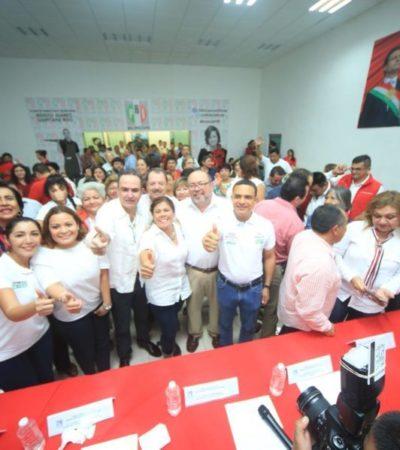 """En su despedida de la dirigencia, Raymundo King de la Rosa exhorta a los priistas a la unidad porque, dice, """"ganando el PRI, gana la gente"""""""