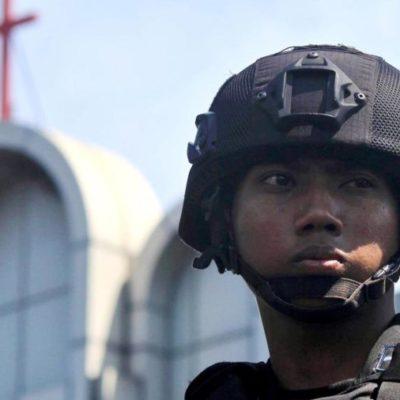 13 muertos y 40 heridos provocan tres ataques suicidas en iglesias de Indonesia