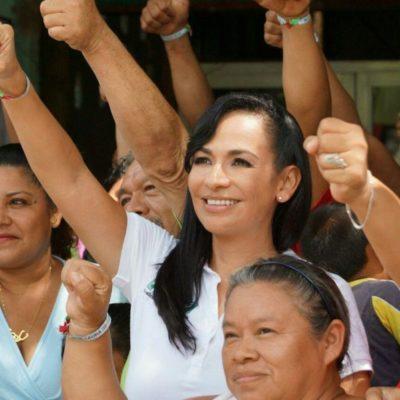 Laura Fernández encabeza foro temático de economía y seguridad en Central Vallarta