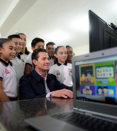 """""""La reforma educativa es la que goza de mayor respaldo en la sociedad, puesto que beneficia tanto a los estudiantes como a los docentes"""", dice Peña Nieto en la celebración del Día del Maestro en Los Pinos"""