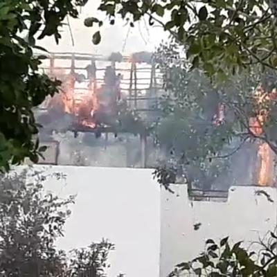 Se incendia lujosa vivienda en Tulum