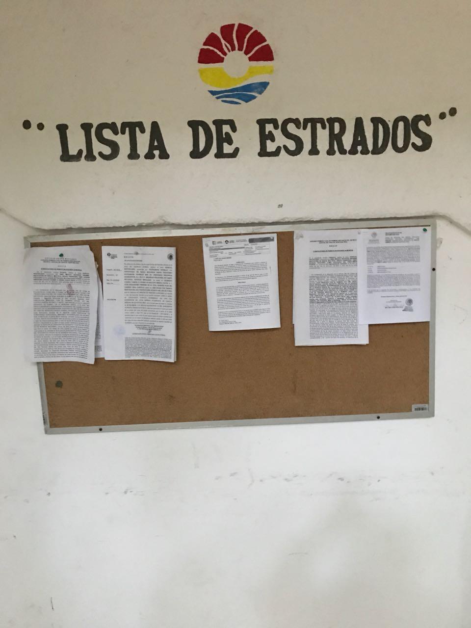 QUE AÚN LE FALTAN TRES: Da Ayuntamiento 'Verde' de Cancún cartas de residencia y vecindad a 'Chanito' Toledo por sólo dos años