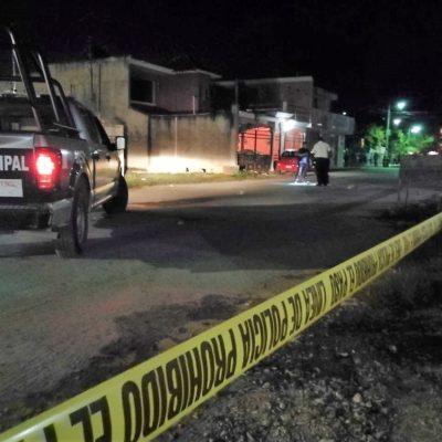 Fuerte movilización policiaca luego de que sicarios rafaguearon una vivienda en Tulum
