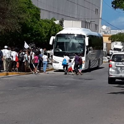 En marcha, el 'pejeacarreo' desde Cancún para mitin de Andrés Manuel en Playa del Carmen