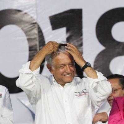 """""""VAMOS A GANAR POR PALIZA EN EL 2018"""": Reúne AMLO a miles en Playa del Carmen y advierte que cancelará contratos de explotación petrolera en Yucatán y Quintana Roo"""