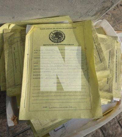 Hallan bajo un puente caja con expedientes de juzgado de Cancún