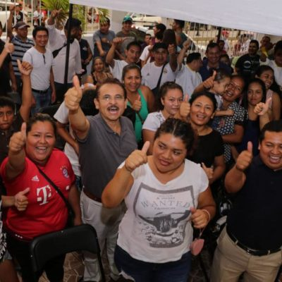 Inicia Martín de la Cruz recorridos por colonias de Playa del Carmen