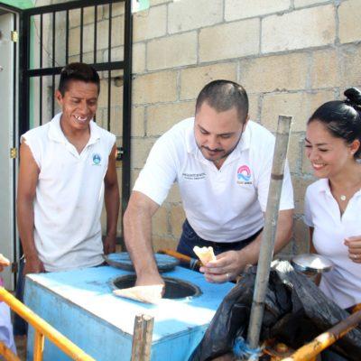 Escucha Janix, candidato independiente por Cancún, las necesidades de los vecinos de Los Héroes