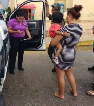 Rescatan a un niño de dos años que deambulaba bajo la lluvia en la SM 259 de Cancún
