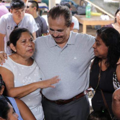 Seguridad, el principal reclamo de la gente, dice Martín de la Cruz al recorrer la colonia Colosio de Playa del Carmen