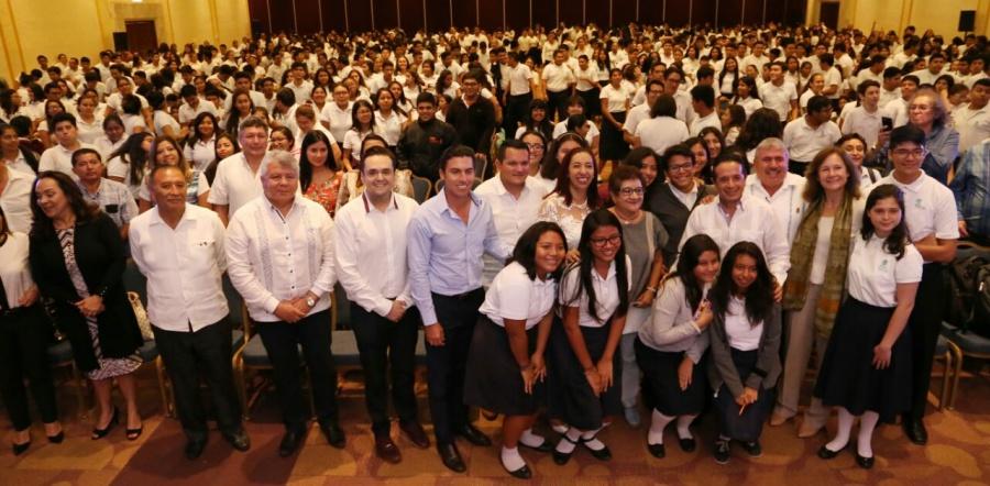 Lanzan iniciativa para ayudar a los jóvenes a integrarse al mercado laboral en Cancún
